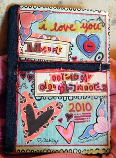 Iposted the (almost finished)cover of my boyfriend book recently asking for opinions on it ( post ). Well, Ifinally finished the whole book! We're both 21, just celebrated 6 months together, and this is part of his Christmas present.He suggested…