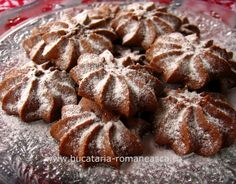 Fursec cu cacao si rom Romanian Desserts, Romanian Recipes, Romanian Food, Hungarian Cake, No Cook Meals, Bakery, Deserts, Good Food, Cooking Recipes