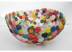 button bowl: blow up a balloon, glue buttons to it and then pop the ballon! Button Bowl, Button Art, Button Crafts, Fun Crafts, Diy And Crafts, Crafts For Kids, Arts And Crafts, Summer Crafts, Bead Crafts