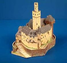Maquetas de castillos para montar con recortables Castillo Bodiam, Statue Of Liberty, Medieval, Neuschwanstein Castle, Palaces, Castles, Majorca, Statue Of Liberty Facts, Statue Of Libery