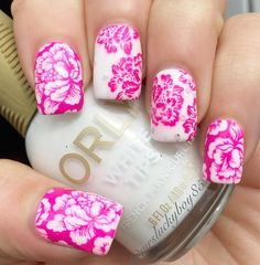 Another one from the vault. This beautiful floral design yes I have no clue what kind of flowers these are because my flora game sucks  are from UC plate 9-02.  The base is a franken stamped with MDU Tutti top coat is HK girl. More pics on my blog #nails #nailart #nailwow #nailpolish  #nailporn #nailswag #mani #manicure #instagood #instadaily #instagram #nailsoftheday #nailsofig #instanails #nailsofinstagram #galleriaofnailart #lookloudandlavish #showmynails #ilovenails #nailartbank…