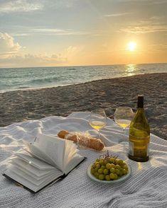 Nature Aesthetic, Beach Aesthetic, Summer Aesthetic, Travel Aesthetic, Aesthetic Food, Beach Picnic, Summer Dream, Summer Chic, Style Summer