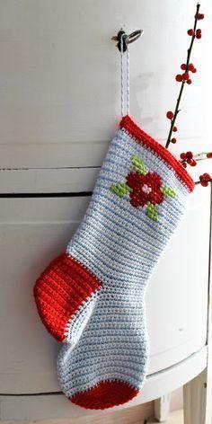 Jeg er gået lidt i selvsving med at hækle julesokker. Jeg synes at de er så fine og så er de tilmed lette at hækle. Sokkerne kan pynt...