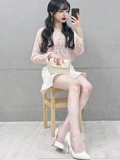 Ulzzang Fashion, Kpop Fashion Outfits, Cute Fashion, Girl Fashion, Girl Outfits, Cute Outfits, Preppy Fashion, Formal Outfits, Korean Street Fashion