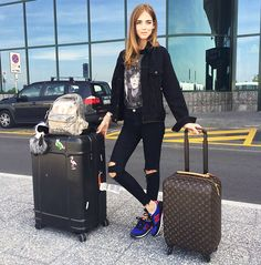 Chiara Ferragni of The Blonde Salad in a graphic t-shirt, cropped jeans, and sneakers