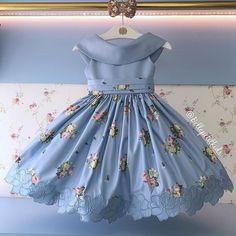 No photo description available. Frocks For Girls, Little Dresses, Little Girl Dresses, Flower Girl Dresses, Baby Frocks Designs, Kids Frocks Design, Frock Design, Kids Dress Patterns, Kids Gown