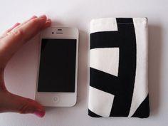 Zwart wit telefoonhoesje, iPhone 5 en 5S hoesje met abstracte print op Etsy, 7,00€