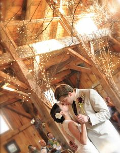 The Alerin Barn    Vermont Wedding © 2011 Jody Fenton Photography    https://www.facebook.com/pages/JF-Photography/120230491327389