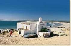 Paternoster and St Helena Bay near Cape Town. One of the few authentic fishing villages on the rough West Coast. Stone Cottages, Beach Cottages, South Afrika, African House, Building Painting, Hiking Photography, Out Of Africa, Country Art, Fishing Villages