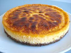 Comoju: Tarta de Queso Afuega´l Pitu Roxu Bon Appetit, Cheesecake, Ethnic Recipes, Desserts, Food, Gastronomia, Spanish Kitchen, Pies, Eten