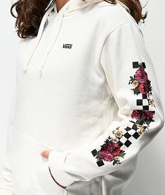Check out your style with the Vans Brunching White & Checkerboard Hoodie. Fleece lined for comfort, this hoodie comes with an adjustable drawstring hood and kangaroo pouch pocket for a traditional silhouette. Vans logo script is embroidered at the left ch Stylish Hoodies, Comfy Hoodies, Sweatshirts, Teen Fashion Outfits, Outfits For Teens, Cute Outfits, Vans Outfit, Hoodie Outfit, Vans Hoodie