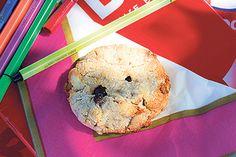 Coconut, dark chocolate and banana cookies – Recipes – Bite