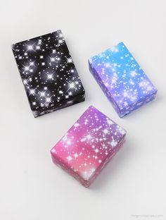 Este blog es espectacular! Sparkling stars gift wrap / free printables