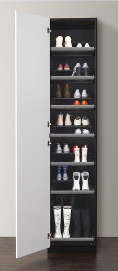 (Mais) um par de sapatos tem sempre lugar onde morar.