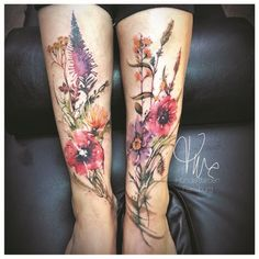 Hundertfarben in Flensburg! Vintage Blume Tattoo, Vintage Flower Tattoo, Flower Tattoo Arm, Flower Tattoo Shoulder, Realistic Flower Tattoo, Vintage Floral Tattoos, Butterfly Tattoos, Back Tattoo Women, Sleeve Tattoos For Women