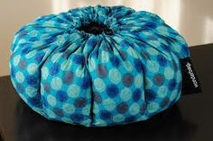 We love the Wonderbag: the amazing non-electric slow cooker...Boil it - Bag it - Slow Cook it - Serve it.   Perfect for #Shabbos! Learn how to use it via @KosherEye  #kosher