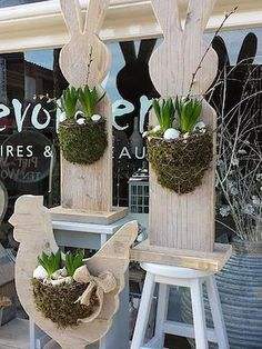 20 super light DIY wooden decorations for . - 20 super light DIY wooden decorations to decorate your home for Easter – 20 super light DIY woode - Wooden Decor, Wooden Crafts, Wooden Diy, Diy Wood, Diy Osterschmuck, Easy Diy, Simple Diy, Relaxing Holidays, Diy Ostern