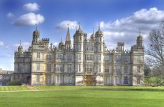 Burghley House is a grand country house near to Stamford, Lincolnshire, England. Its park was laid out by Capability Brown. Burghley was built for Sir William Cecil, later Baron Burghley, who was Lord High Treasurer to Queen Elizabeth I. Lincolnshire England, Stamford Lincolnshire, Stamford England, England Uk, England Houses, English Manor Houses, English Castles, Loire Valley, Beautiful Castles