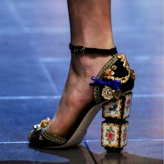 Dolce & Gabbana Spring 2016 Ready-to-Wear - Shoes Shoe Boots, Shoes Heels, Pumps, Shoe Bag, Cute Shoes, Me Too Shoes, Dolce & Gabbana, Crazy Shoes, Beautiful Shoes