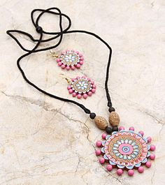 HandsOn by Buzzaria - Multicoloured Hand Painted Terracotta Necklace Set Bohemian Style Jewelry, Funky Jewelry, Fabric Jewelry, Simple Jewelry, Clay Jewelry, Jewelry Crafts, Handmade Jewelry, Teracotta Jewellery, Terracotta Jewellery Designs