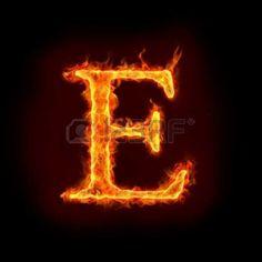 Vitamina E -   La vitamina E tiene como función principal la de ser un antioxidante. Es decir, elimina los radicales libres, que son moléculas que contienen un electrón libre y que son capaces de dañar las células y el material genético, contribuyendo a la producción de diversas enfermedades, como ateros...