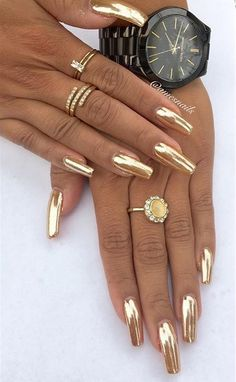 What Christmas manicure to choose for a festive mood - My Nails Gold Chrome Nails, Gold Acrylic Nails, Acrylic Nail Designs, Gold Coffin Nails, Chrome Nails Designs, Diva Nails, Glam Nails, Toe Nails, Beautiful Nail Art