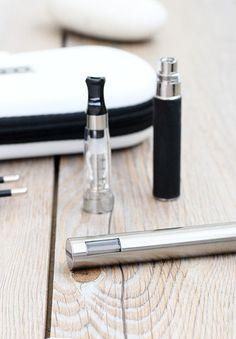 #E cigarett - #LCD Starter Kit Double - 650 mah – I LIKE E-CIGARETTES http://www.ilikeecigarettes.com/products/ego-clear-x-lcd-startkit-650-mah-1