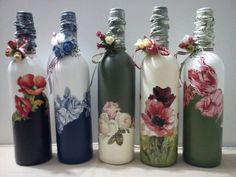 Glass Bottle Crafts, Wine Bottle Art, Painted Wine Bottles, Diy Bottle, Vintage Bottles, Soda Can Crafts, Decoupage Glass, Homemade Art, Bottle Painting