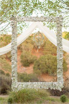 frame backdrop | wedding ceremony ideas | nature inspired wedding | #weddingchicks