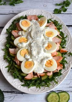 Green salad with egg and salmon - Flavors on the plate Egg Salad, Cobb Salad, Ladies Luncheon, Gordon Ramsay, Salad Recipes, Tea Party, Easy Meals, Lunch Box, Food And Drink