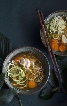 Aasialaiset keitot hyväilevät makuhermoja – 4 x kevyt keitto Ramen, Anna, Ethnic Recipes, Food, Eten, Meals, Diet