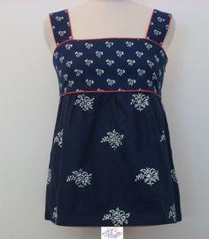 Dilians Sommertop mit zwei Mustern und roter Paspel Folklore, Indigo, Modern, Dresses, Fashion, Gowns, Moda, La Mode, Dress