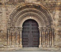 Portada del Monasterio de Fitero - Merindad de Tudela, Navarra #fitero #románico #cisterciense #navarra #portada