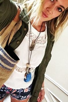 8 Hilary Duff Instagram Photos That Are Basically A How-To Guide For Amazing Street Style