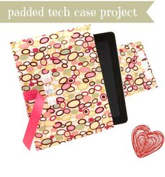 Provide a little more iPad padding with this tech case project :) #sew #ereader