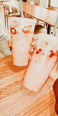 Starbucks Recipes, Starbucks Drinks, Coffee Drinks, Peach Aesthetic, Aesthetic Food, Summer Aesthetic, Copo Starbucks, Fuchs Baby, Yummy Drinks