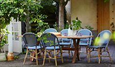 SOFIE kolorowe krzesła kawiarniane Navy Blue i stół teakowy COLONIAL. Sika-Design