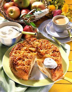 Unser beliebtes Rezept für Apfel-Bienenstich-Kuchen und mehr als 55.000 weitere kostenlose Rezepte auf LECKER.de.