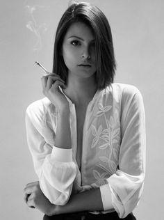 Camila Quintero by Tawfick Espriella Smoking Ladies, Girl Smoking, Girls Smoking Cigarettes, The Libertines, Swimsuit Material, Provocateur, Girls World, Cute Bikinis, Push Up Bikini