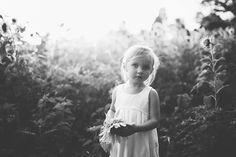 Knoxville Family Photographers, Child Portrait Photos in Sunflower Fields, Family Photos in Knoxville |  Erin Morrison Photography www.erinmorrisonphotography.com