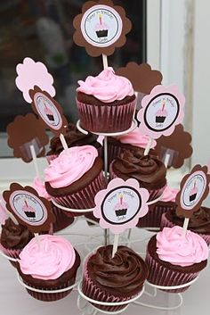 Brown and pink cupcake idea