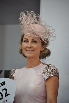 Racing Fashion: Racing Fashion at Oaks Day Fashions on the Field Melbourne Cup Carnival