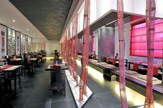 RISTORANTE ZEN - Il nostro tessuto CANGIANTE utilizzato dall'architetto Zambon per la realizzazione di un ambiente suggestivo In grado di riflettere il mood Giapponese del ristorante.  #design #interior #interiordesign #designinterni #idea #ideadesign #TTMRossi #wiremesh #style #architecture More Info: http://m.ttmrossi.it
