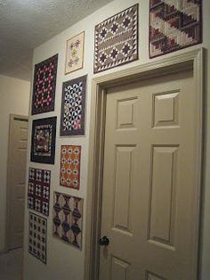 Quilt display in hallway: Tattered Garden Quilting: Monthly Minis Quilting Room, Quilting Projects, Quilting Designs, Quilting Board, Quilting Ideas, Hanging Quilts, Quilted Wall Hangings, Antique Quilts, Vintage Quilts