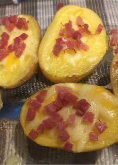 Patatas microondas al aceite de azafrán en hebras y jamón serrano