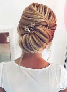 Dance hairstyles for long hair - Bridal Updo, Wedding Updo, Wedding Makeup, Wedding Beach, Bride Hairstyles, Cool Hairstyles, Updo Hairstyle, Hairstyle Short, Beautiful Hairstyles