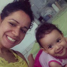 Aquela foto que eu parei pra olhar e percebi a sintonia no ar. www.mamaededois.com.br #bomdia #filha #linda #baby #sintonia #mamaededois #mamaededoisoficial