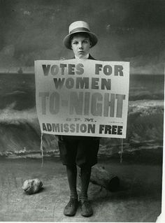Women suffrage working to get the vote, Photo Courtesy: Oregon Historical Society by Oregon State University Old Pictures, Old Photos, Vintage Photographs, Vintage Photos, Women Right To Vote, Suffrage Movement, Women In History, Family History, Historical Society