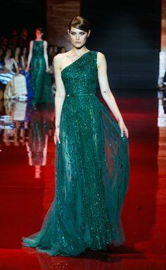 Vestido de noche color verde botella