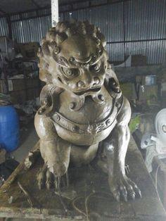 A art studio process lion  Clay model  ,